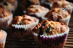 Weekend Breakfast {Blueberry Muffins}